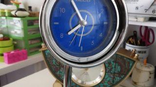 スタンドマイク風のレトロな置時計を修理する。前編。