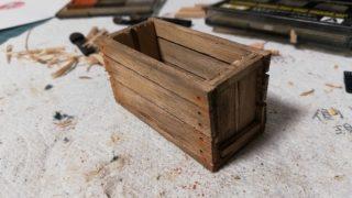 りんご箱 1/12スケールを作っていろいろ片付ける。